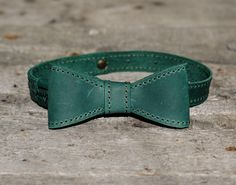Personalized Leather Bow tie Green mens bow tie wedding bow tie Mens Gift groomsmen bow tie monogram bowtie Neck-Tie by AquariusStore on Etsy https://www.etsy.com/listing/545484101/personalized-leather-bow-tie-green-mens