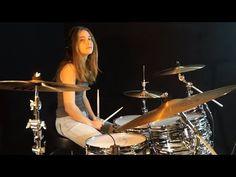 Girl Drummer, Female Drummer, Drummer Gifts, Aesthetic Women, Music Aesthetic, Aesthetic Girl, Drums Girl, Drum Cover, Rocker Girl