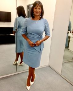 @GMB Ranvir Singh wearing @peterhahnnederland dress! 💙..#styledbyme #style #studiostyle #fashion #style 💙 Anna Richardson, Granny Mom, Kate Garraway, Carol Vorderman, Tv Presenters, Fashion Studio, Sexy Women, Celebs, Celebrities