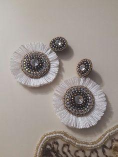 Cutipieanu Diy Tassel Earrings, Silk Thread Earrings, Beaded Earrings, Stud Earrings, Black Earrings, Diy Jewelry, Beaded Jewelry, Jewelery, Handmade Jewelry