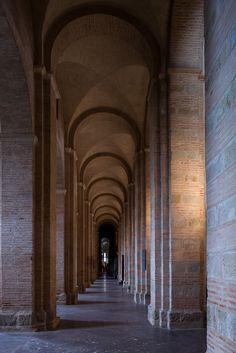 Side aisle, Basilique Saint Sernin, Toulouse (Haute-Garonne)