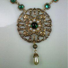 Anne Boleyn Emerald Necklace
