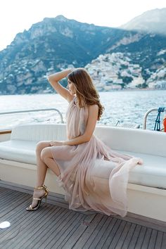 larisa costea, larisa costea blog, the mysterious girl, the mysterious girl blog, fashion blog, blogger, fashion, fashionista, it girl, travel blog, travel, traveler, ootd, lotd, outfit inspiration,look of the day,outfit of the day,what to wear, hotel, fashion blogger in positano, positano, italy,italia, aamalfi coast,boat ride,boat in positano, la sibilla, sibilla,paraiano, boat ride, luxury, prosecco,wedding anniversary, honey moon,perfect honey moon,power couple, romantic date, positano