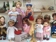 Dollhouse miniature dolls by Catherine Muniere