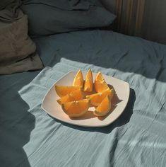 Image de fruit, orange, and food Orange Aesthetic, Summer Aesthetic, Aesthetic Food, Aesthetic Photo, Aesthetic Pictures, Plant Aesthetic, Simple Aesthetic, In Vino Veritas, Food Photography