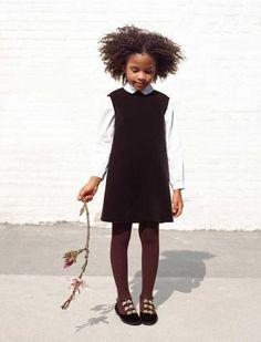 Velvet pinafore dress from Il Gufo.  Shop online: http://petitchic.com/english/merken/italiaans/il-gufo/fluwelen-overgooier