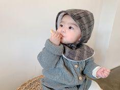 👼🏻 ᴀ-ʏᴇᴏɴɢ's ᴅᴀɪʟʏღ ᴅ+❷❷⓿ 어제 외출 사진 엄마는 못고르게따🙊 그냥 다올리기🙈. - 최근 한달새 최종확정에서 떨어진건만 기저귀, 분유, 물티슈, 아기띠 😢 압축이라도 되는게 어디야로 시작했다가 최종발표까지 너무 희망고문💦 그래도… Cute Kids, Winter Hats, Crochet Hats, Fashion, Knitting Hats, Moda, Fashion Styles, Fashion Illustrations, Cute Babies