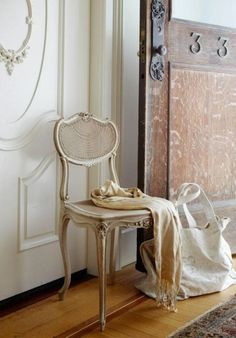 The Parisian Apartment Non Plus Ultra, Home Goods Decor, Home Decor, Parisian Apartment, French Chairs, Antique Chairs, Style Retro, Take A Seat, French Decor