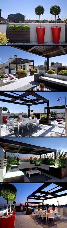 Proyecto integrado en la ciudad de Madrid.  El mobiliario y la iluminación se hicieron a medida del espacio.  Las pérgolas zonifican el área de estar y de comer.  La iluminación indirecta ayuda a crear ambientes cálidos. Por Juan Casla Paisajismo