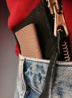 handmade leather wallet by justyna woloszyn