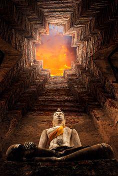 Buddha at Prasat Nakhon Luang, Ayutthaya, Thailand