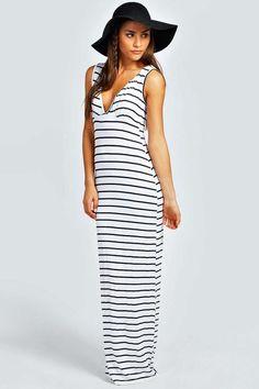 boohoo Petite Harriet Plunge Striped Jersey Maxi Dress