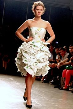 Subway Held A Fashion Show Where The Clothes Were Made Out Of Sandwich Wrappers - OMG my dream fashion show