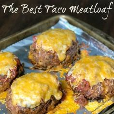 We love meatloaf and tacos so when a friend gave us this recipe for the Best Taco Meatloaf we couldnt wait to try it This easy meatloaf will be a regular meal on our menu. Taco Meatloaf, Mexican Meatloaf, Stuffed Meatloaf Recipes, Zucchini Meatloaf, Meatloaf Burgers, Meat Recipes, Mexican Food Recipes, Cooking Recipes, Recipies