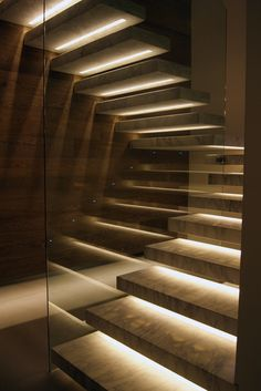 Here you will find many beauties that are in a way masterpieces on their own. Check out this collection of Stunning Stair Lighting Ideas That Will Steal The Show and share your thoughts with me.