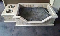 Dog Bed - One-of-a-kind Custom Dog Beds, Pallet Dog Beds, Dog House Bed, Cool Dog Houses, Diy Dog Bed, Wood Dog Bed, Dog Furniture, Dog Rooms, Dog Crafts