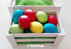 Βάφουμε πασχαλινά αυγά με χρώματα ζαχαροπλαστικής