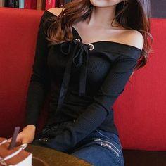 Yilda - Off-Shoulder Sweater