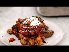 Deliciously Ella - Chickpea Chilli in Baked Sweet Potatoes (from my new book!!) - YouTube