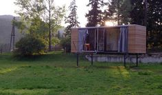 """Home to Go"" On Stilts Was Designed With A Very Clever Pop-Out Bedroom Solution 