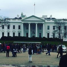 President Obama could be inside pooping right now by _courtney_jean #WhiteHouse #USA