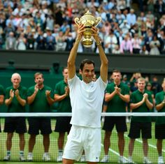 Roger Federer remporte son 8ème titre à Wimbledon et son 19ème titre du Grand Chelem à 35 ans. #incroyable Roger Federer France (@RogerFederer_Fr) | Twitter