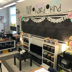 Gorgeous classroom design ideas for back to school 29 5th Grade Classroom, Classroom Setting, Classroom Design, School Classroom, Classroom Organization, Future Classroom, Creative Classroom Ideas, Art Classroom Layout, Year 3 Classroom Ideas