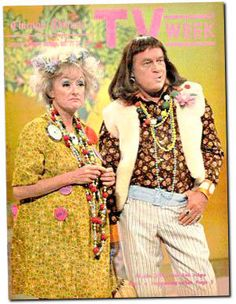 Phyllis Diller and Bob Hope hammin' it up ..lol