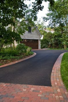 asphalt and brick lined driveway Modern Driveway, Driveway Design, Driveway Border, Asphalt Driveway, Driveway Paving, Circular Driveway, Driveway Landscaping, Luxury Landscaping, Landscaping Company