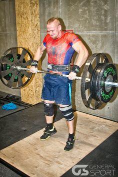 Jiří Tkadlčík, český strongman a powerlifter, nosí Under Armour (www.U-A.cz)