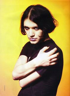 """""""My hair cut does not look like Julie's, it looks like Brian Molko's from the 90's!"""" Lisa's cool points increase."""
