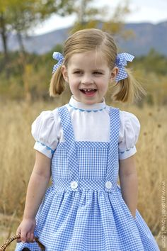 Wizard of OZ - Dorothy Costume for Adults (with clothes from your ...