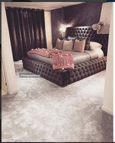 Master bedroom design info Spend some quality time taking into consideration the color and colors you may use in your house. Since you will probably are now living in this house for a long time, it's crucial that you plan these things carefully. Dream Rooms, Dream Bedroom, Home Bedroom, Bedroom Decor, Master Bedroom, Bedroom Ideas Master On A Budget, My New Room, Beautiful Bedrooms, House Rooms