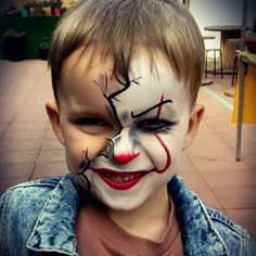 Killer clown for Brynn Clown Makeup Brynn clown Killer Half Face Halloween Makeup, Face Painting Halloween Kids, Cute Clown Makeup, Half Face Makeup, Haloween Makeup, Face Painting For Boys, Face Painting Designs, Zombie Makeup, Scary Makeup