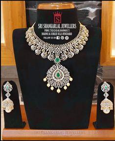 Diamond Initial Necklace, Diamond Choker Necklace, Diamond Jewellery, Gold Jewelry, Jewellery Earrings, Gold Necklaces, Bridal Necklace, Diamond Pendant, Antique Jewelry