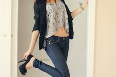 cute. i wish i could wear stuff like thiss...   i don't have the body for it.