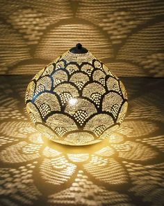 The post appeared first on Einrichtung ideen. Moroccan Lighting, Moroccan Decor, Moroccan Lanterns, Chinese Lanterns, Gourd Lamp, Antique Chandelier, Chandeliers, Paris Design, New Blue