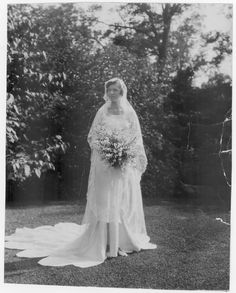 PORTRAIT OF MRS FRANK BARROWS Decade: 1920s 1930s  Hennepin County Library - Minneapolis Photo Collection http://www.hclib.org/pub/search/MplsPhotos/mphotosAction.cfm#.UwMEIm4fNrw.twitter