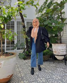 "NAWAL on Instagram: ""Dream blazer via @nastygal 🖤✨ use code 'NASTY55' for 55% off everything 👼🏼👼🏼 Aus only and valid until 16/12/19 #getnastygal"" Modest Fashion Hijab, Modern Hijab Fashion, Street Hijab Fashion, Hijab Fashion Inspiration, Muslim Fashion, Modest Outfits, Stylish Outfits, Fashion Outfits, Abaya Fashion"