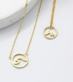Mar o Montaña? Collar en Plata de Ley con baño de Oro. Gold Necklace, Jewelry, Fashion, Gold Plating, Silver Necklaces, Anklets, Rings, Bracelet, Accessories