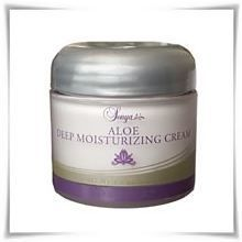 Aloe Deep Moisturizing Cream from Forever Living Products. Aloe Deep Moisturizing Cream with pine bark extract from our Sonya Skincare range Forever Aloe, Forever Living Aloe Vera, Aloe Drink, Forever Living Products, Aloe Vera Gel, Skin So Soft, Natural Skin Care, Collagen, Health And Beauty