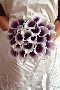 Finden Sie die besten  weinlese-künstliche blumen 9 stücke / los mini lila in weiße calla-lilien-blumensträuße für hochzeitsbrautstrauss dekoration gefälschte blume zu Großhandelspreisen aus Chinas dekorative blumen und kränze Anbieter desfloral auf de.dhgate.com.