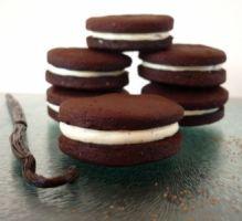 Recette - Biscuits au cacao fourrés à la vanille { Home Made Oréos } - Proposée par 750 grammes