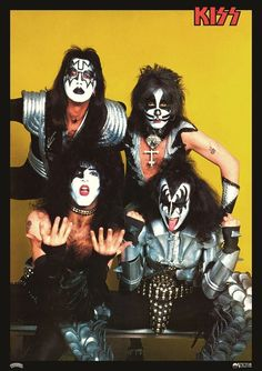 This sale is for a beautiful mint condition Japan import 24 x 34 inch reproduction KISS poster. Great group shot from back in the day probably from the Japan Rock And Roll Over Tour. Kiss Images, Kiss Pictures, Satan, Kiss Group, Gene Simmons Kiss, Kiss Members, Detroit Rock City, Vintage Kiss, Eric Carr
