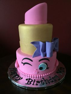 Shopkins Lippy Lips Birthday Cake The Effective Pictures We Offer You About Shopkins Cake A quality picture can tell you many things. Bolo Shopkins, Shopkins Birthday Cake, Pastel Shopkins, Fondant Cakes, Cupcake Cakes, Lipstick Cake, Cupcakes Decorados, Character Cakes, Birthday Cakes