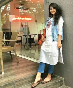 51 Stylish Office Jeans Ideas To Try Right Now is part of Kurti with jeans - Clothes are readily available to all that will downplay what we don't like, but, what's more, enhance that which we […] Casual Indian Fashion, Indian Fashion Dresses, Indian Designer Outfits, Indian Outfits, Western Outfits, Ethnic Outfits, Indian Gowns, Indian Wear, Dress Fashion