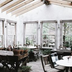 Changed Days, Same Roots Roses Restaurant, Restaurant Design, Restaurant Interiors, Cafe Interior, Interior And Exterior, Interior Design, Courtyard Cafe, Garden Nook, Glass House