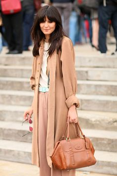 Street Style – Paris Fashion Week Love the coat and the bag Cool Street Fashion, Paris Fashion, Autumn Fashion, Fashion Fashion, Fashion Ideas, Fashion Trends, Nude Outfits, Classy Outfits, Color Style