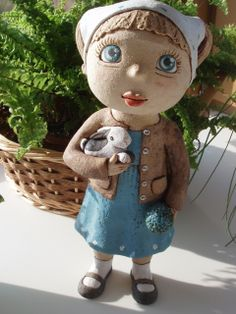 Jarnička od Kočidy Ceramic Pottery, Ceramic Art, Clay People, Garden Figurines, Bjd, Pottery Classes, Pottery Sculpture, Paperclay, Picture Collection
