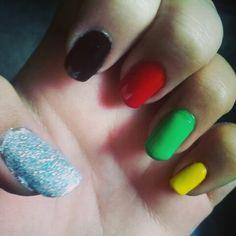 Bob Marley Colored Nails.